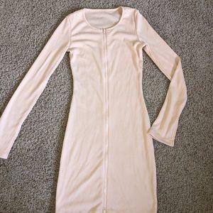 zip-up long sleeve tangerine bodycon dress 👼🏼